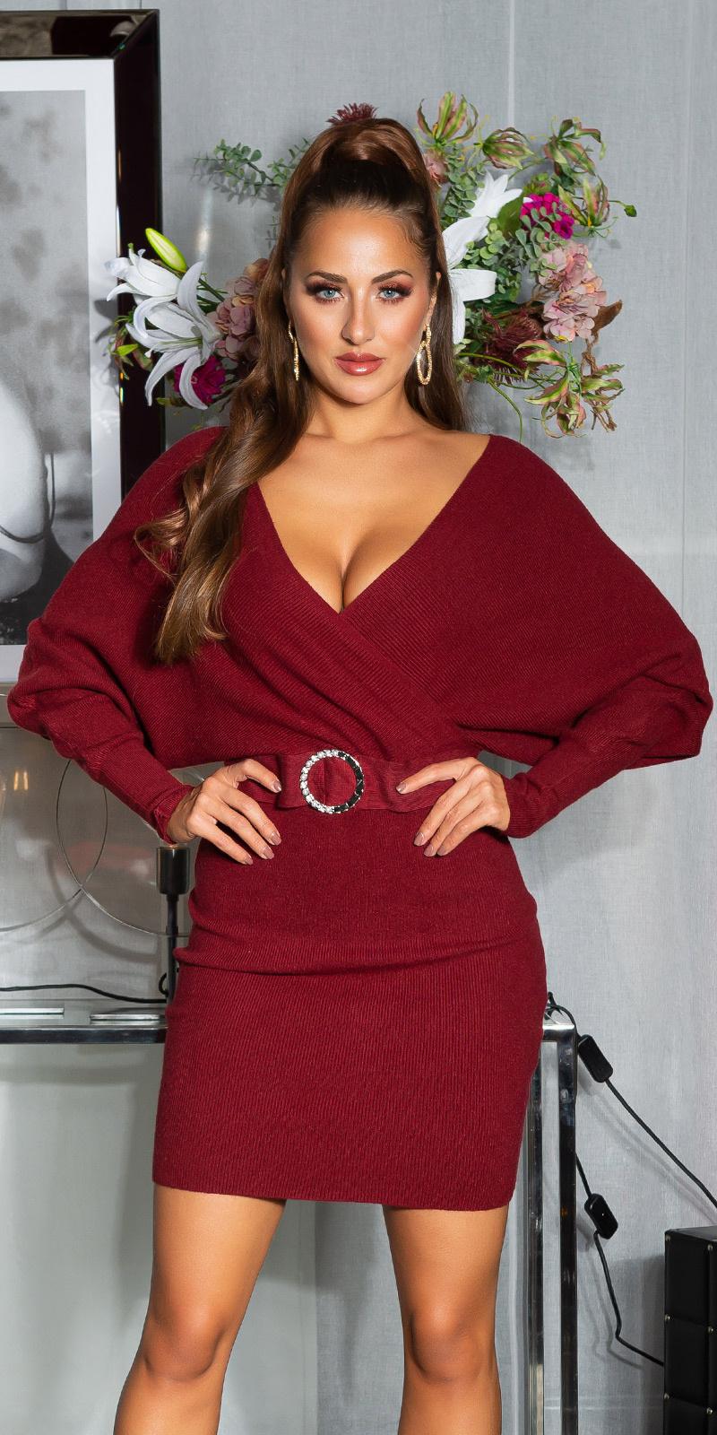 Sexy v-halter gebreide jurk met decoratieve gesp bordeaux