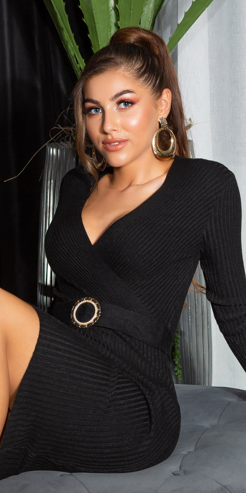 Sexy v-halter geribbelde gebreide jurk zwart