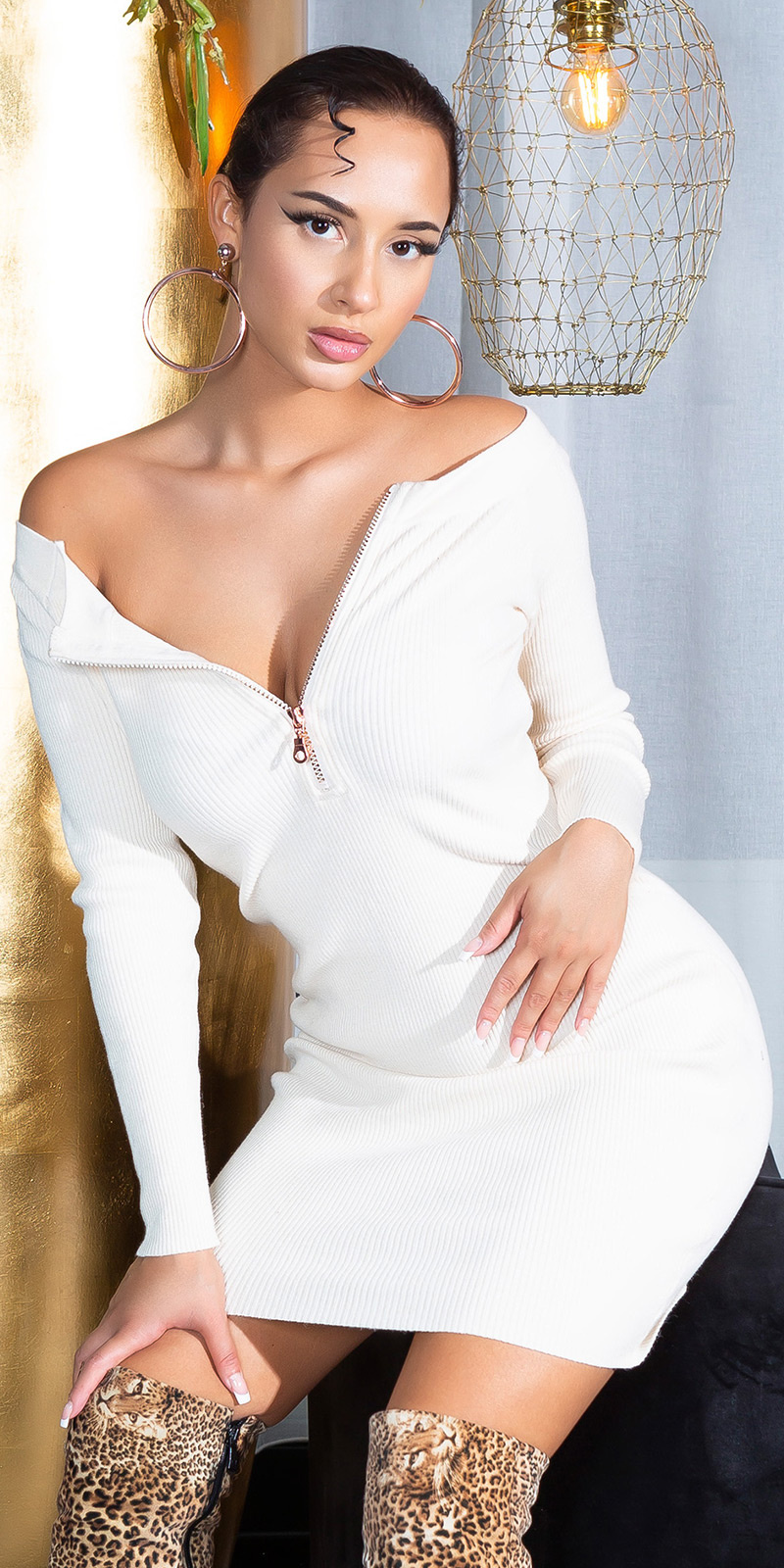 Sexy bateau gebreide jurk met ritssluitingen beige