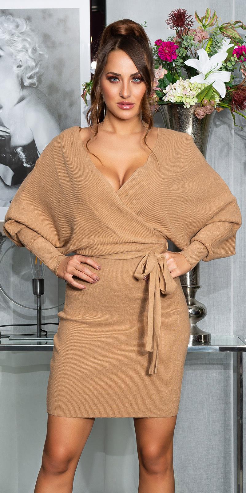 Sexy playful v-halter gebreide jurk met riem bruin