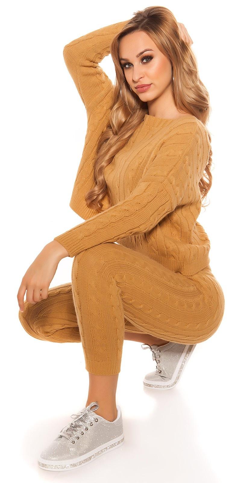 Trendy ruw-grofgebreide huispak (set trui & broek!) mosterdgeel