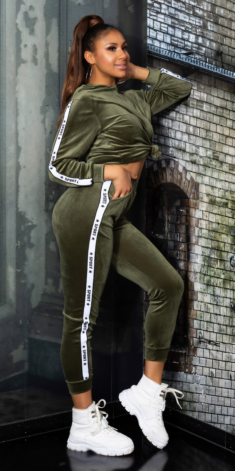 Trendy fluweel sweatsuit hoodie + joggingbroek khaki