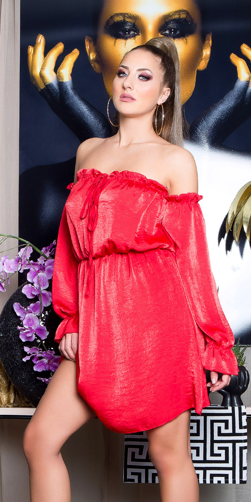 Sexy mini jurkje carmen halslijn satijn look rood