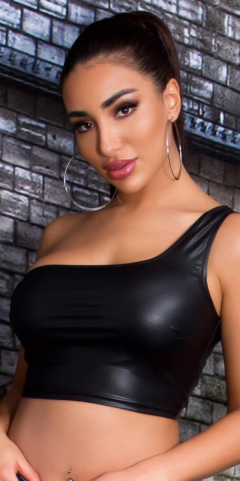 Sexy een-schouder cropped top zwart