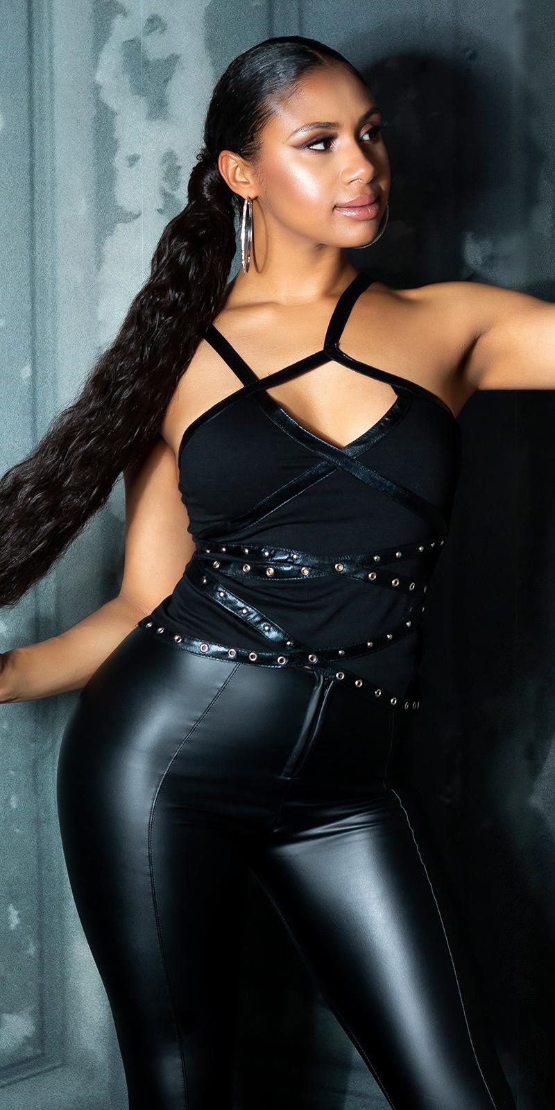 Sexy top met leder look & studs zwart