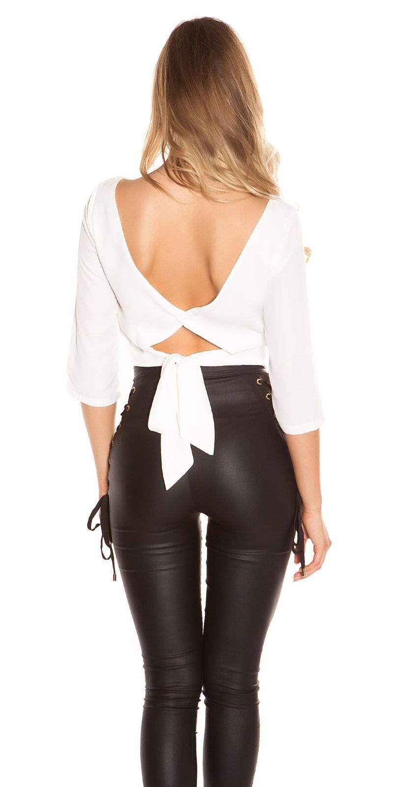Trendy crop blouse open rug wit