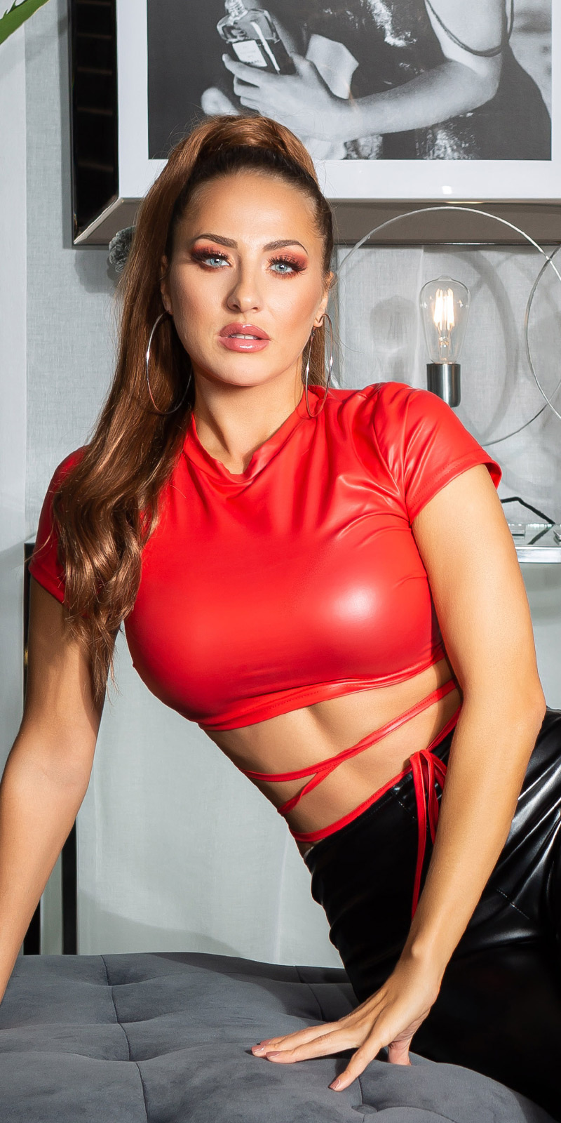Sexy wetlook cropped top rood