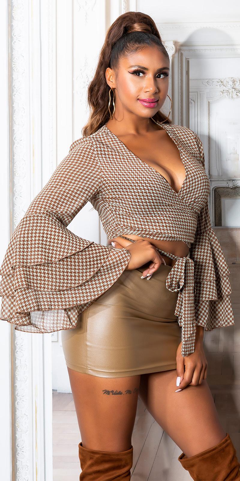 Sexy cropped blouse om vast te binden met wijde ruffled mouwen bruin