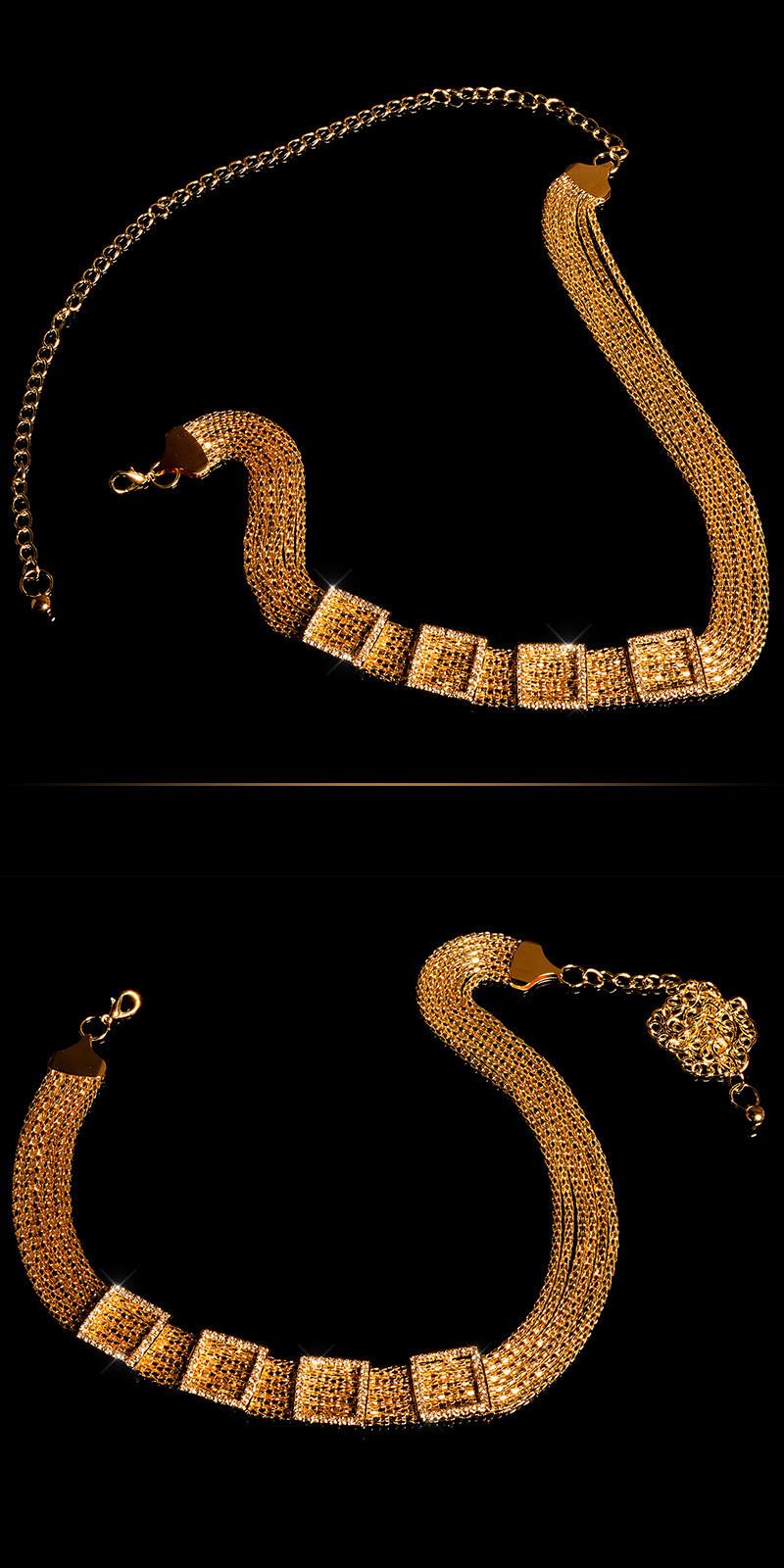 Trendy chain belt with rhinestones Gold