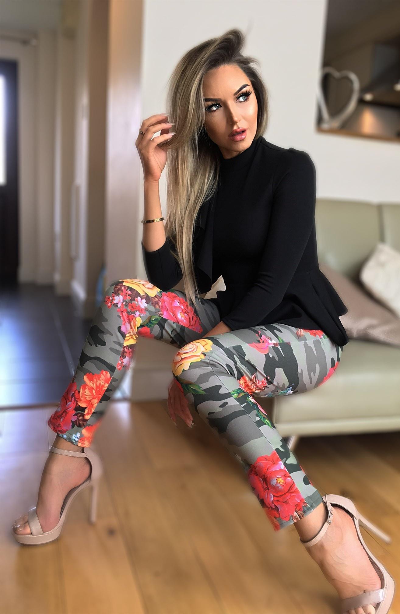Marcella bloemen-print camo broek khaki