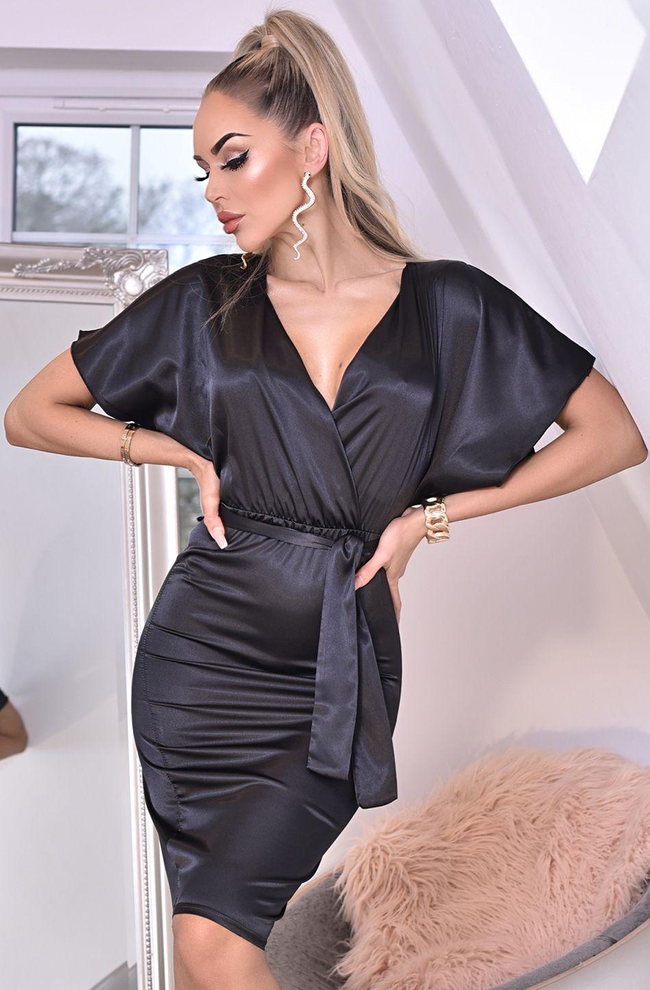 Elona zachte satijnen vleermuismouw jurk met riem zwart