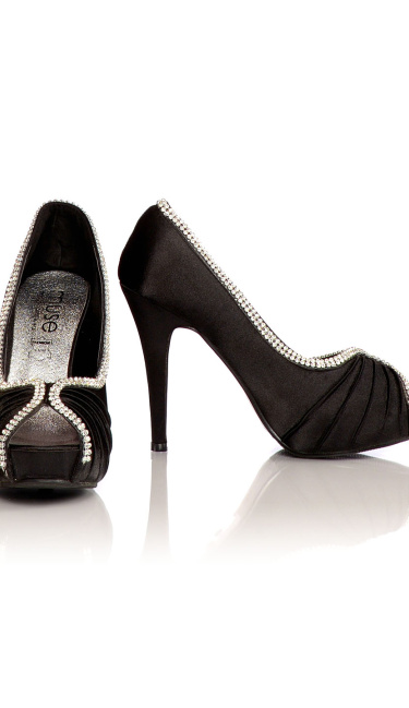 Satin Evening Shoes / Pumps Black