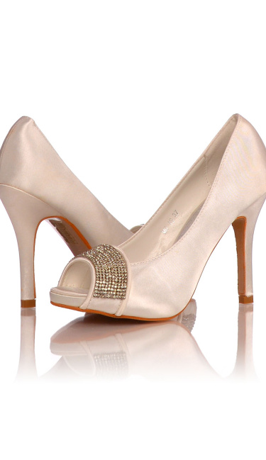 Satin Evening Shoes / Pumps White