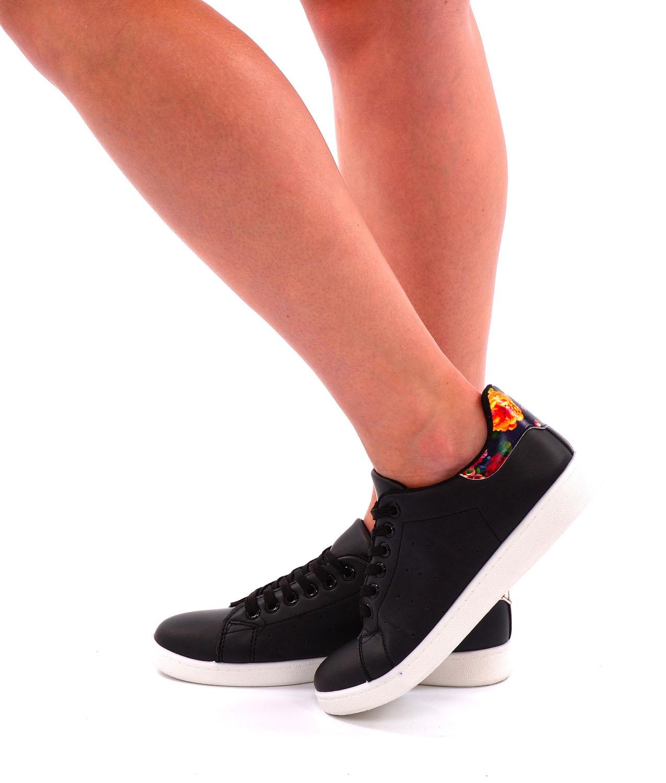 Sneakers zwart / bloemen