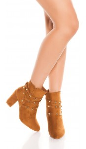 Trendy ankle boot block heel with rivets Caramel