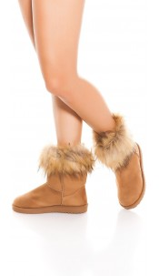 Trendy winter boots lined with fake fur Cappuccino