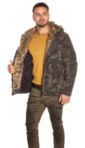 Trendy men winter parka lined in camouflage Army