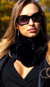 Trendy fluffy scarf Black