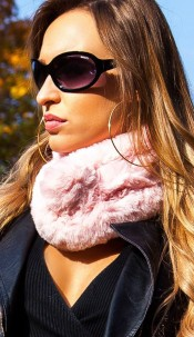 Trendy fluffy scarf Pink