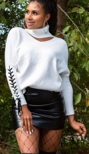 Trendy col trui met uitsparing wit