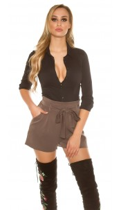 Sexy pleats shorts with integrated belt Cappuccino